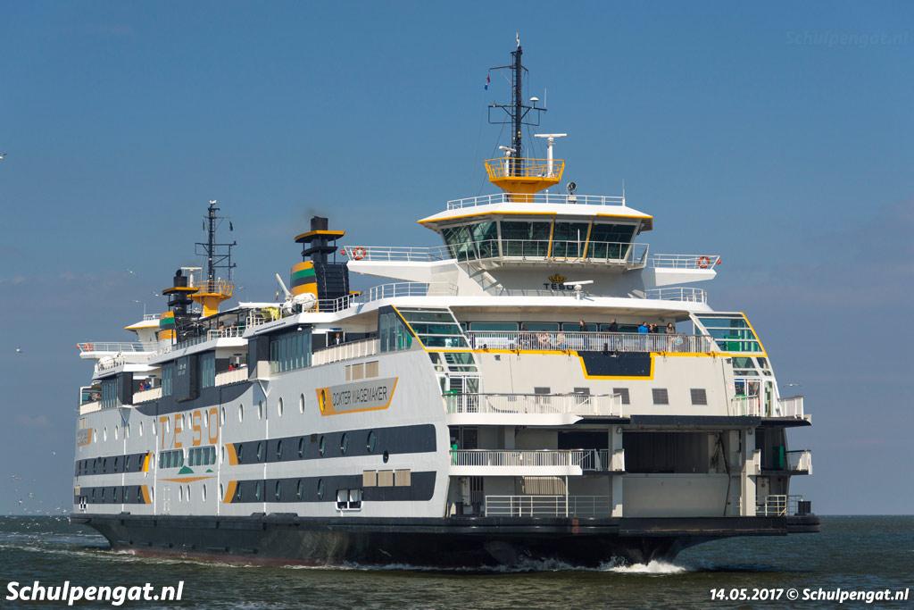 De dubbeldeksveerboot Dokter Wagemaker is sinds 2005 in de vaart en is de opvolger van de kleinere TESO-veerboot Molengat
