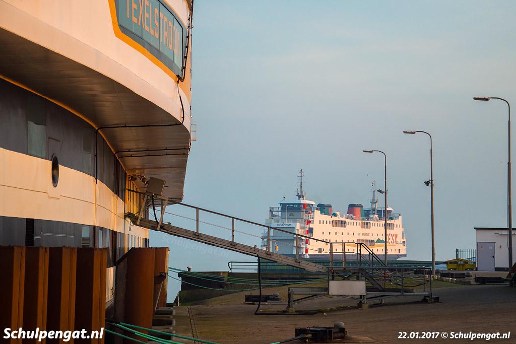 Na de aanvaring van de Texelstroom met de steiger is de Schulpengat de enige inzetbare veerboot