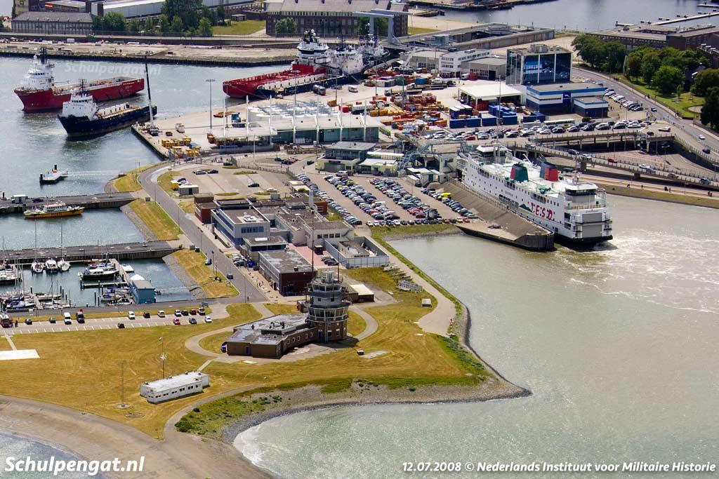 Luchtfoto van Den Helder met de Schulpengat